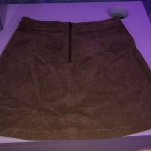 Cortaroy type skirt